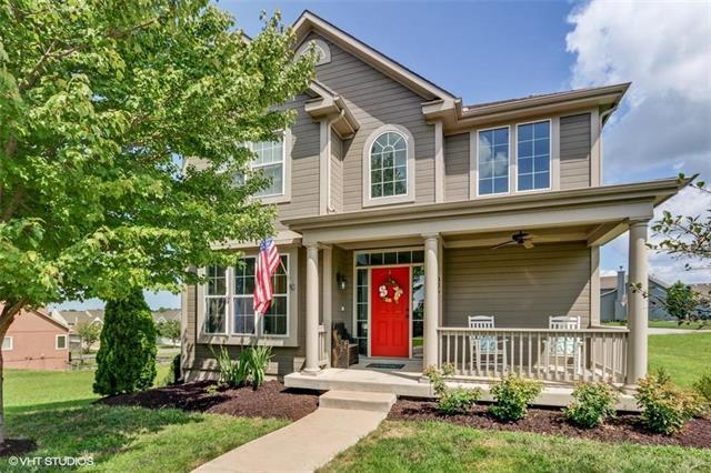 326 Mulberry Drive, Raymore, MO 64083 (#2121573) :: Edie Waters Network