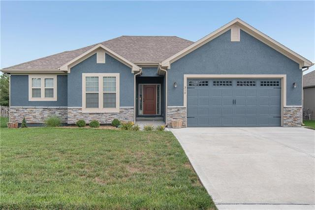 310 E Olive Street, Raymore, MO 64083 (#2121580) :: Edie Waters Network