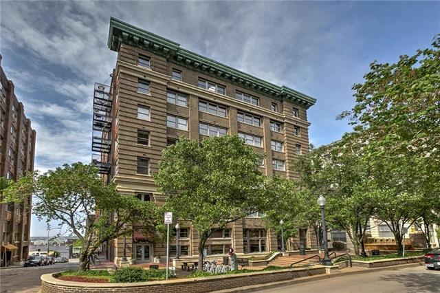 712 Broadway Boulevard #403, Kansas City, MO 64105 (#2121686) :: Char MacCallum Real Estate Group