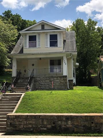1309 Ruby Avenue, Kansas City, KS 66103 (#2121703) :: Edie Waters Network