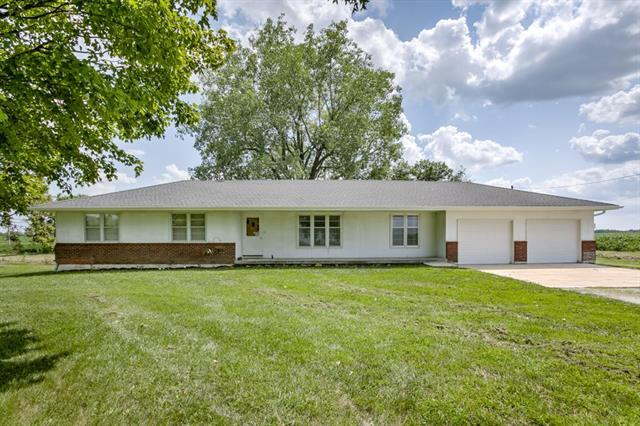 28611 E State Route 2 Rural Route, Harrisonville, MO 64701 (#2121837) :: Edie Waters Network