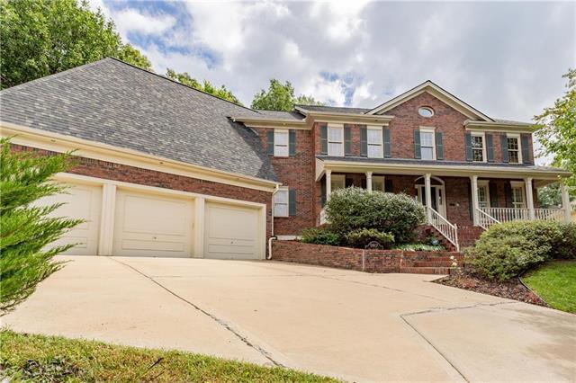 5917 N Mattox Road, Kansas City, MO 64151 (#2121886) :: Kansas City Homes