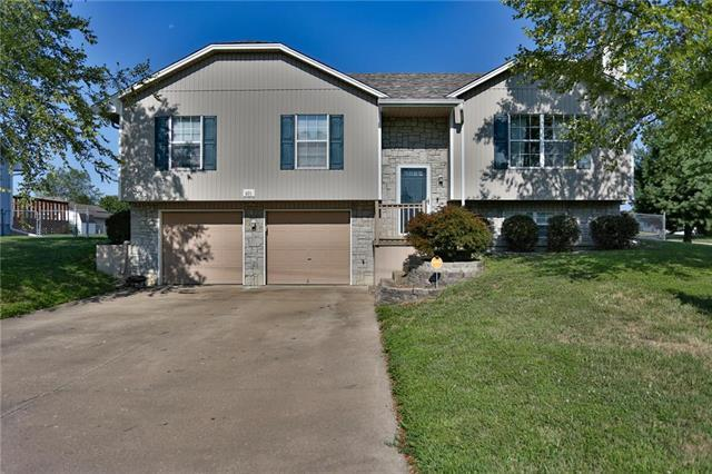 601 S Johnson Drive, Odessa, MO 64076 (#2122067) :: Edie Waters Network