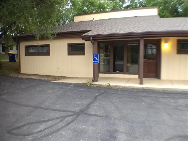 101 E 10th Street, Eudora, KS 66025 (#2122121) :: Char MacCallum Real Estate Group