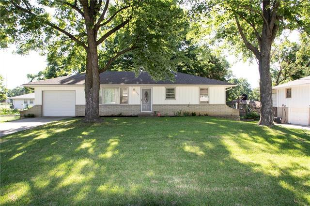 4709 Eby Street, Merriam, KS 66203 (#2122145) :: Edie Waters Network