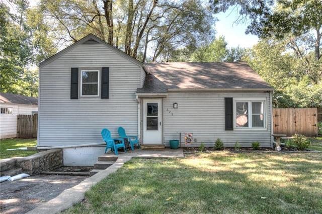 629 NE 45TH Street, Kansas City, MO 64116 (#2122185) :: Edie Waters Network