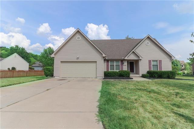 5105 S Cedar Crest Court, Independence, MO 64055 (#2122224) :: Edie Waters Network