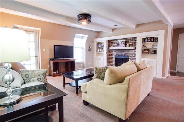 5713 Metcalf Court #42, Overland Park, KS 66202 (#2122286) :: Team Real Estate