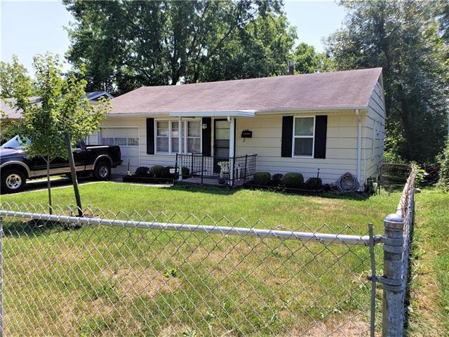 3315 E 73rd Street, Kansas City, MO 64132 (#2122346) :: Char MacCallum Real Estate Group