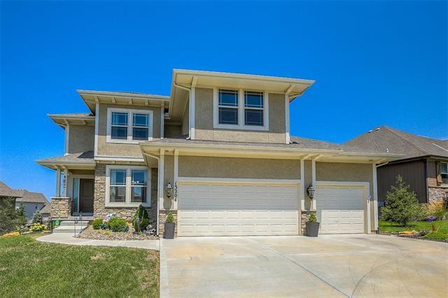 13204 W 172nd Street, Overland Park, KS 66221 (#2122351) :: Char MacCallum Real Estate Group