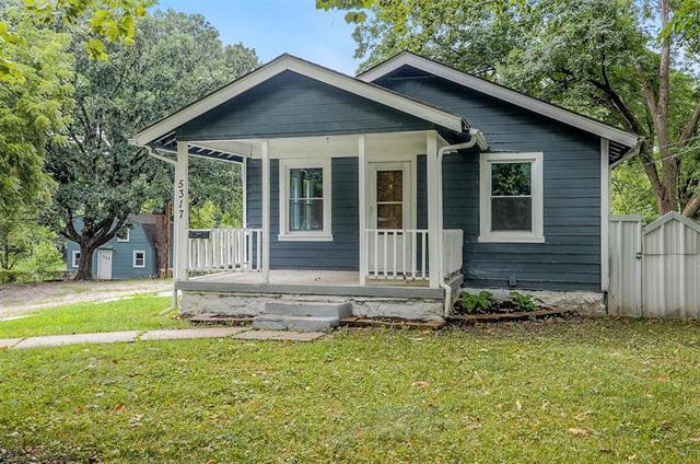 5317 Rinker Road 4 Houses, Kansas City, MO 64129 (#2122539) :: Edie Waters Network