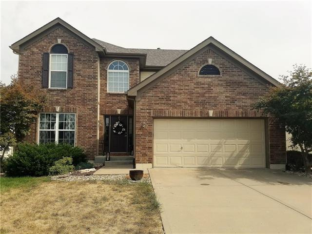1049 Maple Woods Drive, Liberty, MO 64068 (#2122557) :: Edie Waters Network