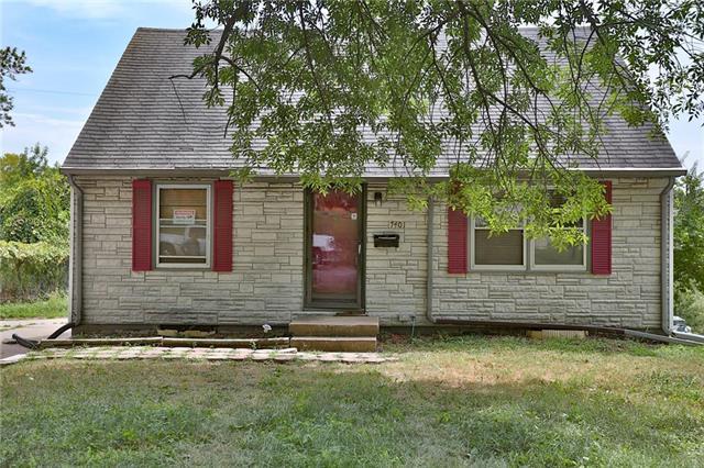 7401 E 50th Street, Kansas City, MO 64129 (#2122589) :: The Gunselman Team