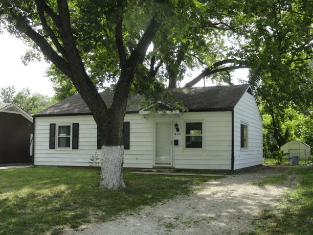 2714 S 49th Street, Kansas City, KS 66106 (#2122597) :: The Shannon Lyon Group - ReeceNichols