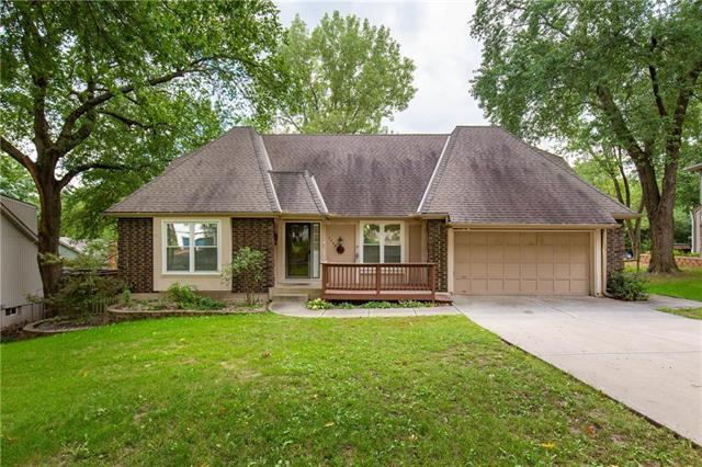 4809 NW 81st Terrace, Kansas City, MO 64151 (#2122616) :: Edie Waters Network