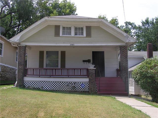 1045 Haskell Avenue, Kansas City, KS 66104 (#2122624) :: Char MacCallum Real Estate Group