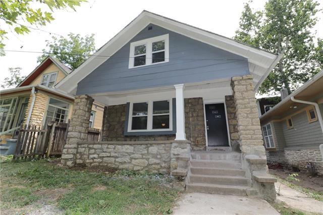 805 E 40th Street, Kansas City, MO 64110 (#2122648) :: Char MacCallum Real Estate Group