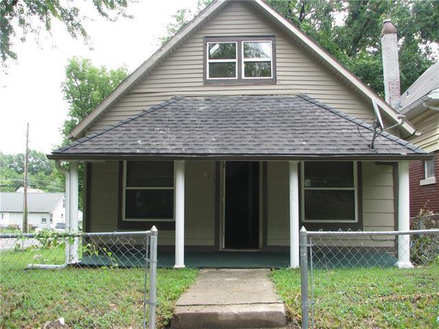 145 N Hardesty Avenue, Kansas City, MO 64123 (#2122949) :: Char MacCallum Real Estate Group