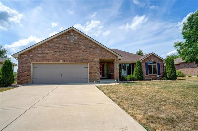 616 Liberty Road, Smithville, MO 64089 (#2122957) :: Edie Waters Network