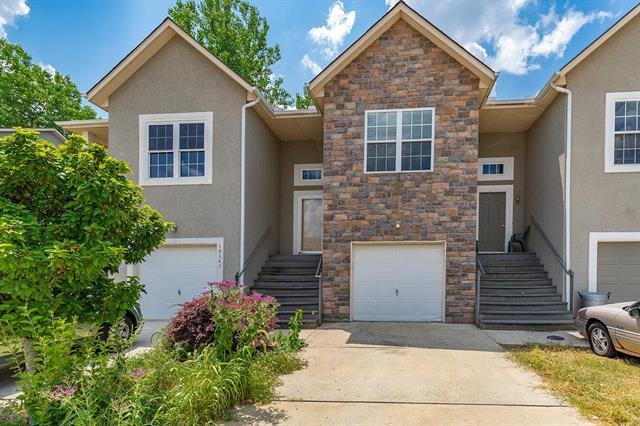 10345 Parkview Avenue, Kansas City, KS 66109 (#2122994) :: Edie Waters Network
