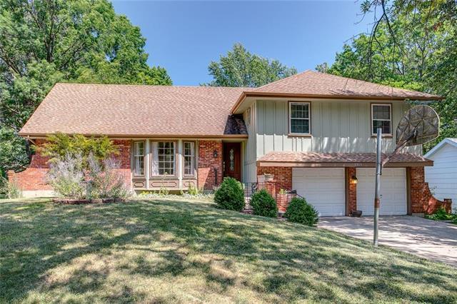 8915 Hadley Street, Overland Park, KS 66212 (#2124024) :: Team Real Estate