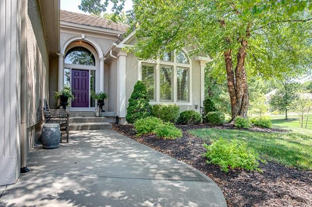 6552 Claret N/A, Parkville, MO 64152 (#2124044) :: Edie Waters Network