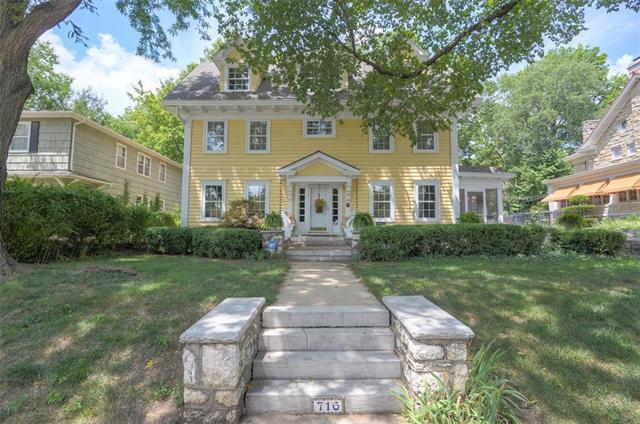 716 Gleed Terrace, Kansas City, MO 64109 (#2124052) :: Char MacCallum Real Estate Group