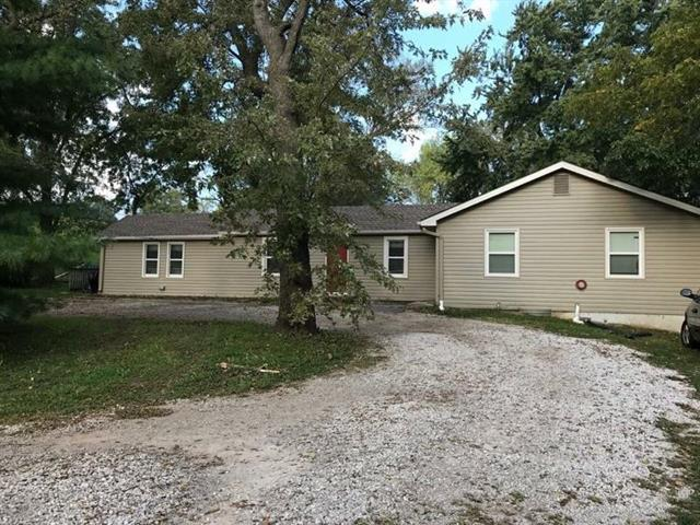 5940 N Flora Avenue, Gladstone, MO 64118 (#2124102) :: No Borders Real Estate