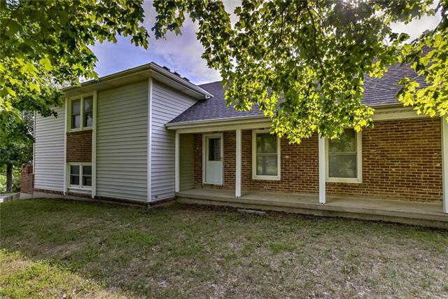 733 E Jw Cummins Road, Oak Grove, MO 64075 (#2124226) :: Char MacCallum Real Estate Group