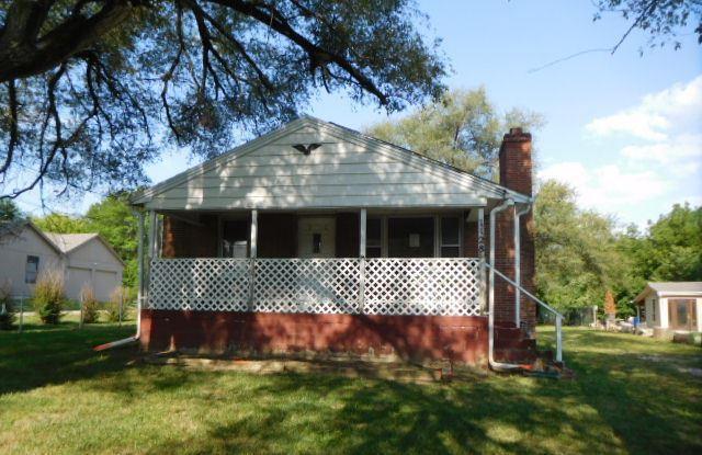 1128 S 47th Terrace, Kansas City, KS 66106 (#2124304) :: Edie Waters Network
