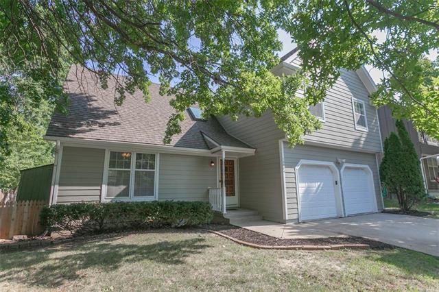 15804 W 150TH Terrace, Olathe, KS 66062 (#2124427) :: Edie Waters Network