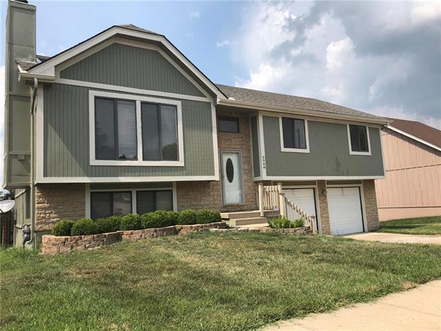 6908 E 143rd Street, Grandview, MO 64030 (#2124484) :: Team Real Estate