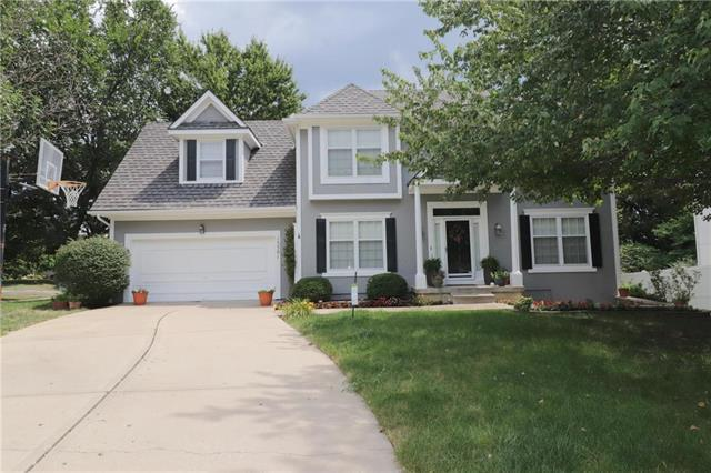 15501 Outlook Street, Overland Park, KS 66223 (#2124519) :: Edie Waters Network