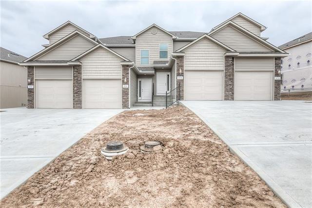 10528 Clubhouse Drive, Kansas City, KS 66109 (#2124552) :: Edie Waters Network