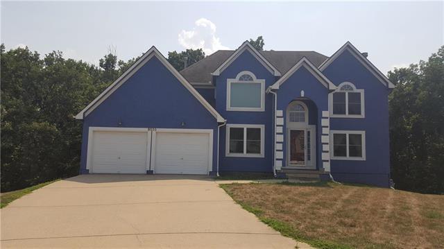 8533 Spring Avenue, Kansas City, KS 66109 (#2124554) :: NestWork Homes