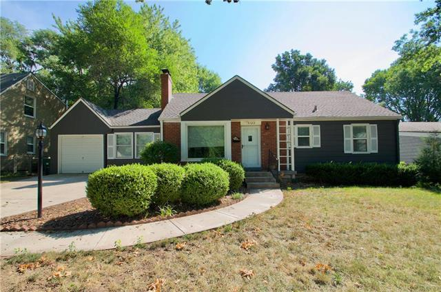 5123 Clark Drive, Roeland Park, KS 66205 (#2124566) :: Edie Waters Network