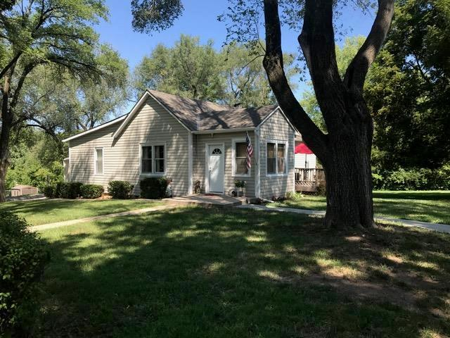 1512 Santa Fe Street, Leavenworth, KS 66048 (#2124568) :: Edie Waters Network