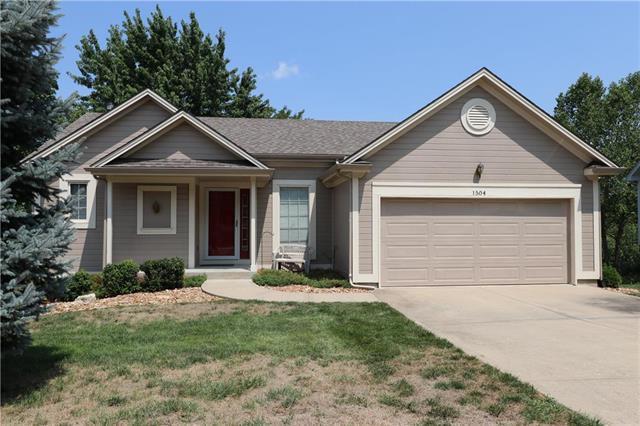 1504 NW 79 Terrace, Kansas City, MO 64118 (#2124579) :: Edie Waters Network