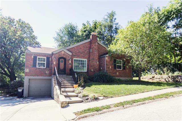 7 W 8th Street, Parkville, MO 64152 (#2124676) :: Char MacCallum Real Estate Group