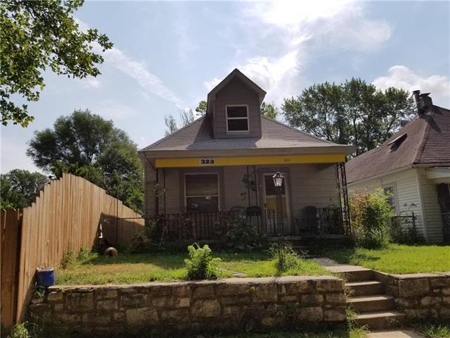323 S Lawndale Avenue, Kansas City, MO 64123 (#2124705) :: Edie Waters Network