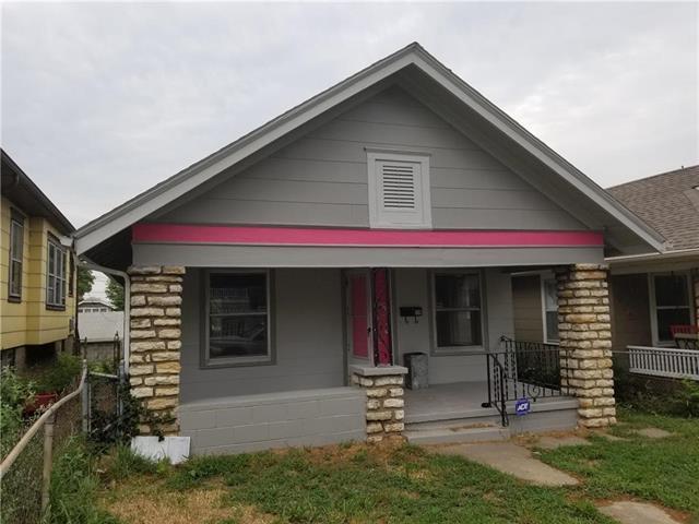 139 S Wheeling Avenue, Kansas City, MO 64123 (#2124713) :: Edie Waters Network