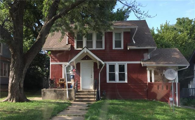 2532 E 68 Terrace, Kansas City, MO 64131 (#2124792) :: Edie Waters Network