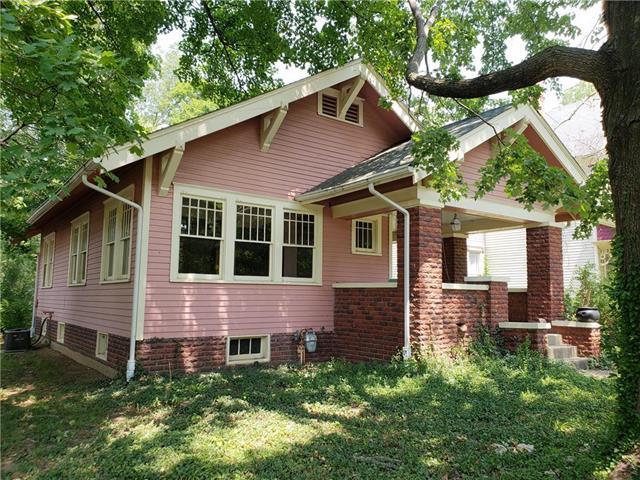 209 Park Street, Pleasanton, KS 66075 (#2124823) :: Edie Waters Network