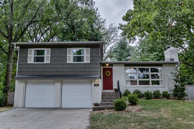 6908 Reeds Road, Overland Park, KS 66208 (#2124831) :: No Borders Real Estate