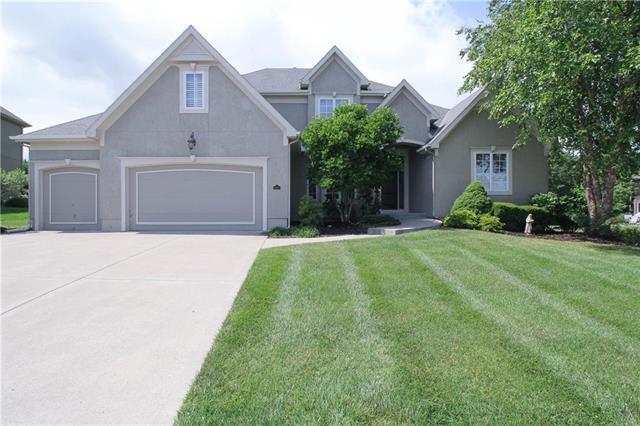6709 NW 102 Terrace, Kansas City, MO 64154 (#2124851) :: Char MacCallum Real Estate Group