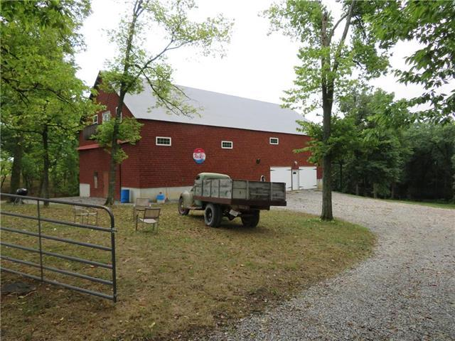 7505 Buck Creek Road, Oskaloosa, KS 66066 (#2124900) :: The Shannon Lyon Group - ReeceNichols