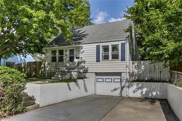 680 Thornton Street, Liberty, MO 64068 (#2124908) :: Team Real Estate