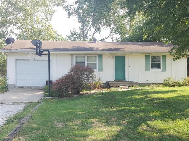 218 Cedarlane Drive, Wellsville, KS 66092 (#2124920) :: Char MacCallum Real Estate Group