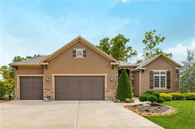 24143 W 121st Terrace, Olathe, KS 66061 (#2124980) :: Edie Waters Network