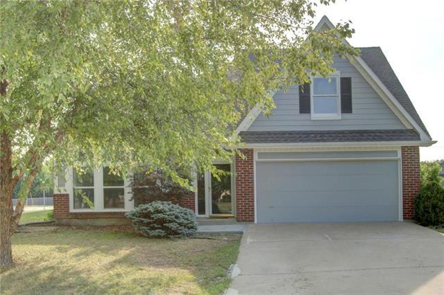 15111 W 147 Street, Olathe, KS 66062 (#2125002) :: The Shannon Lyon Group - ReeceNichols
